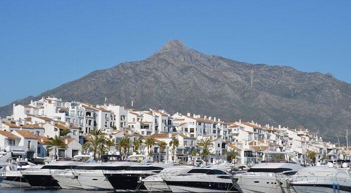 Puertos deportivos en Marbella casas, villas